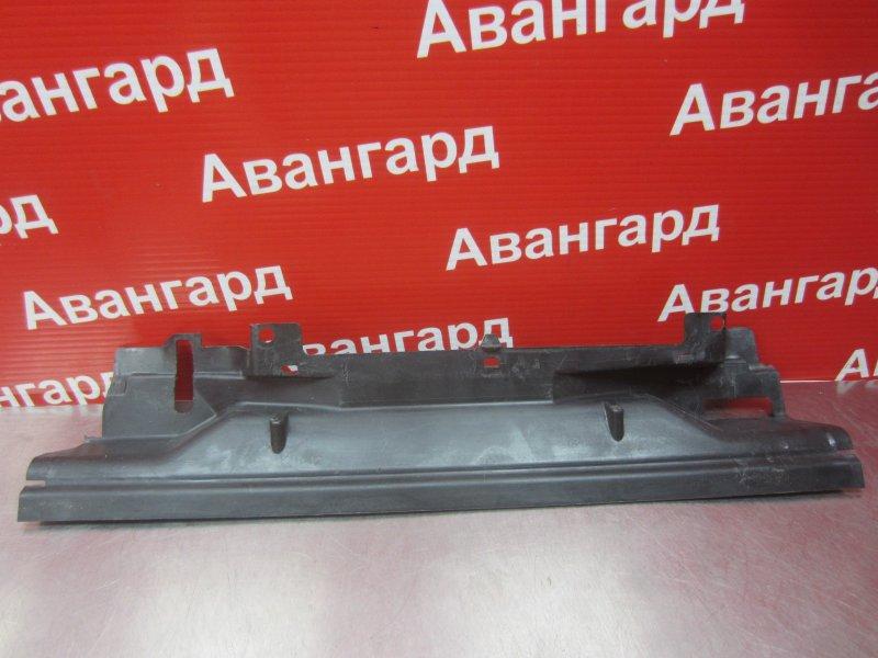 Дефлектор радиатора Bmw E46 2000 верхний
