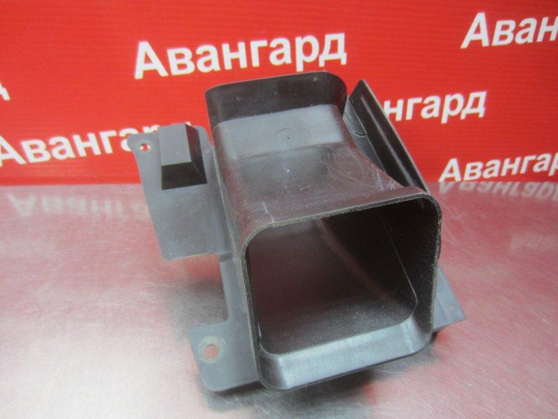 Воздуховод Bmw E46 2000