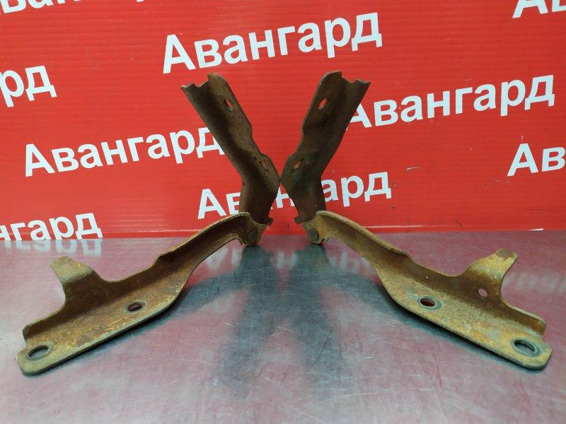 Кронштейн капота Chery A13 2011