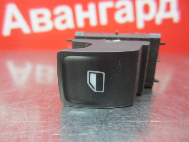 Кнопка стеклоподъёмника Skoda Rapid 2014
