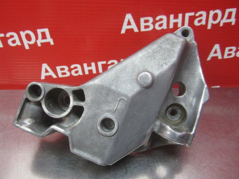 Кронштейн двигателя Skoda Octavia A4 AKL 2002 правый