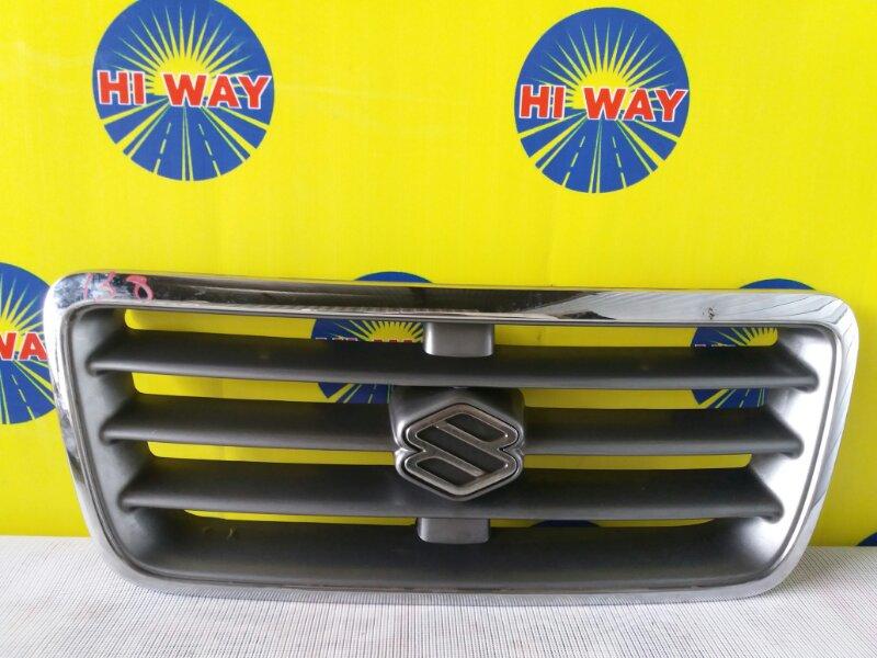 Решетка радиатора Suzuki Escudo TD31W передняя