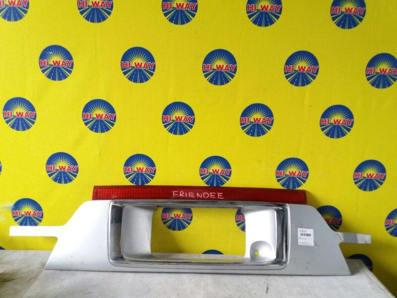 Катафот,вставка между стопов Mazda Bongo Friendee SGLW WL-T 1999