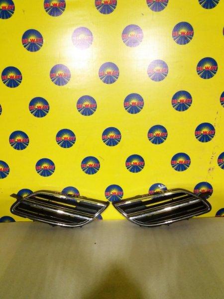 Решетка радиатора Nissan Tino HV10 1998