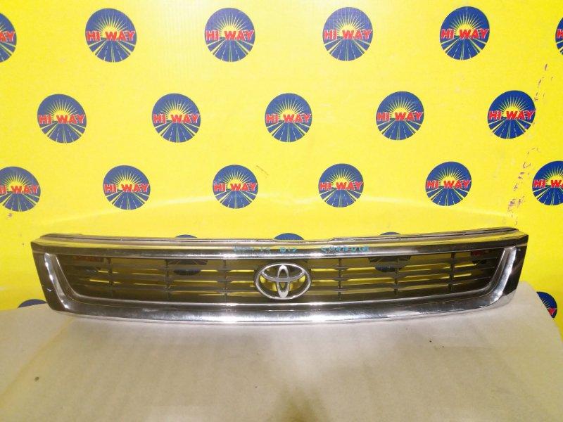 Решетка радиатора Toyota Granvia KCH16 1KZ-TE 1995
