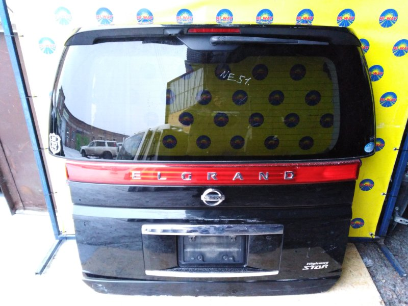 Дверь задняя Nissan Elgrand NE51 2004