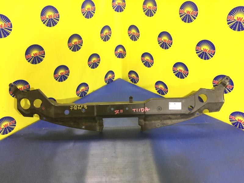 Накладка на решетку радиатора Nissan Tiida C11 HR15DE 2004