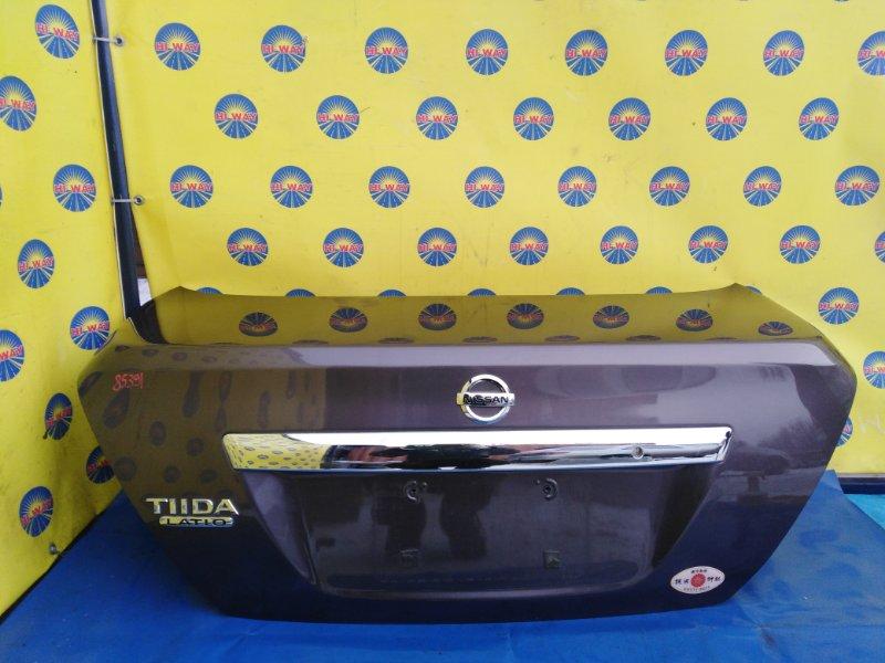 Крышка багажника Nissan Tiida Latio SC11 2004 задняя