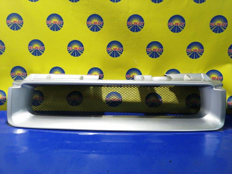 Решетка радиатора Honda Mobilio Spike GK1 L15A 2002 передняя
