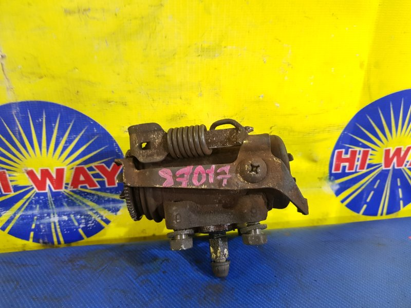 Рабочий тормозной цилиндр Hino Dutro XZU306 S05D задний правый