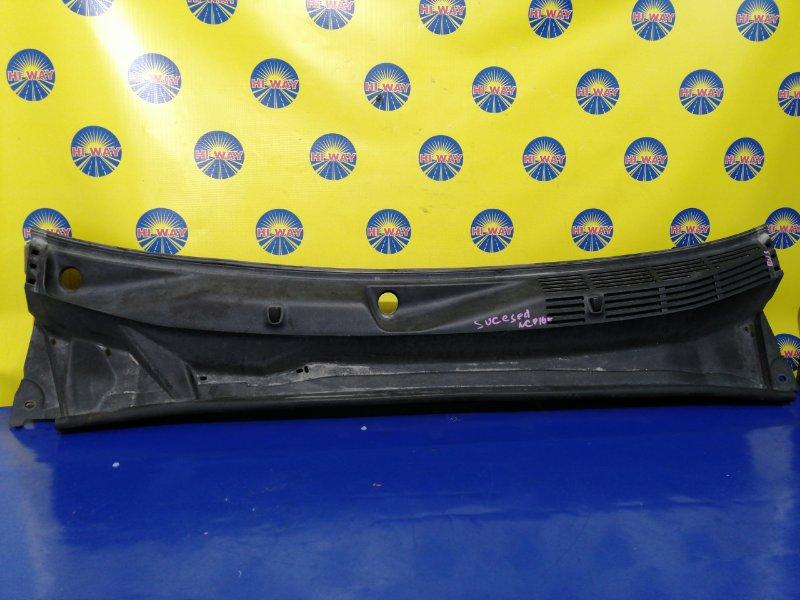 Решетка под лобовое стекло Toyota Probox NCP160