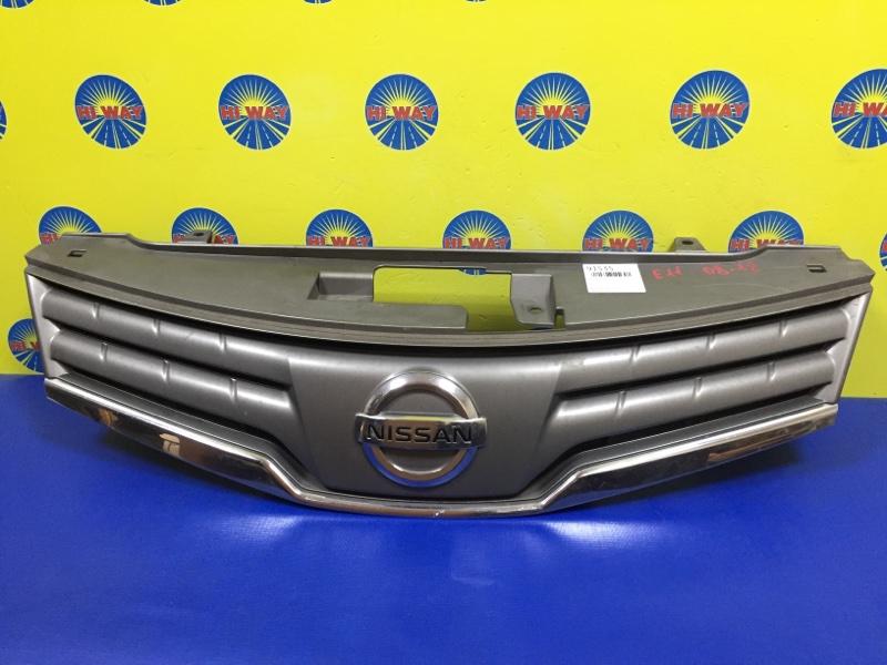 Решетка радиатора Nissan Note E11 2008