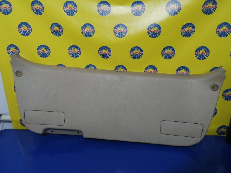 Обшивка багажника Toyota Gaia ACM10 задняя