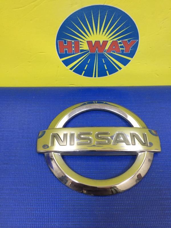 Эмблема Nissan March AK12 KA24E задняя