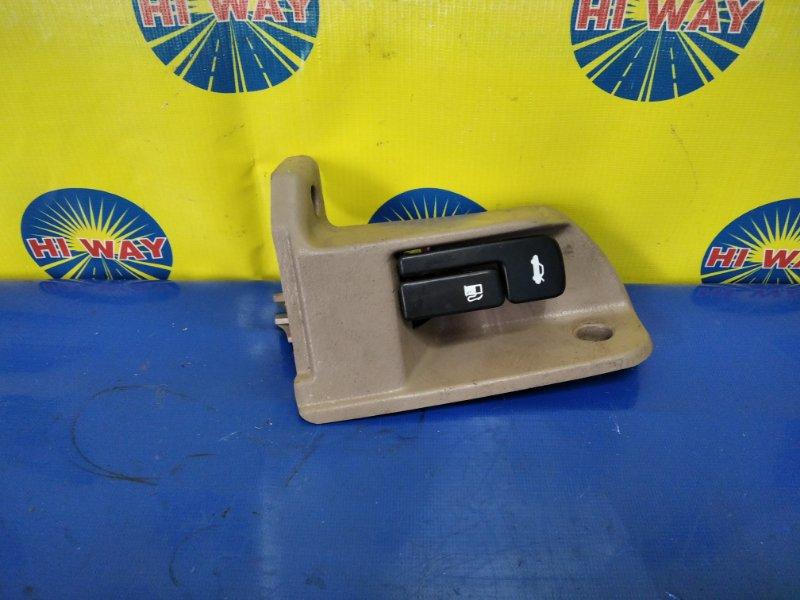 Ручка багажника Toyota Vista SV40 4S-FE 1997