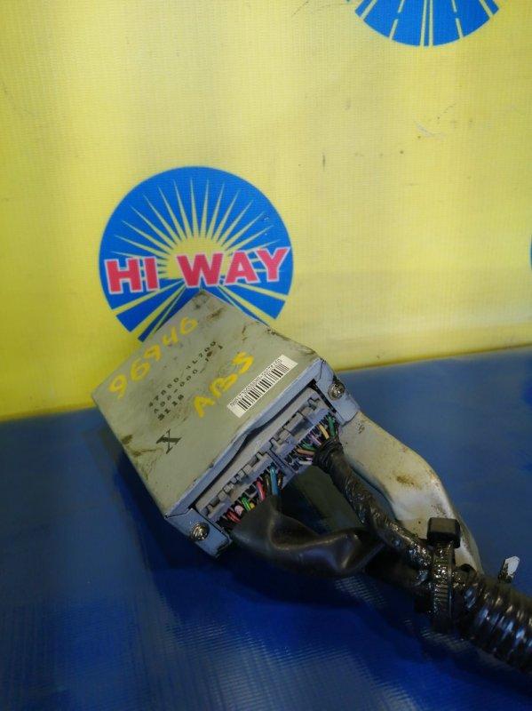 Блок управления abs (компьютер) Nissan Laurel HC35 RB20DE 2002