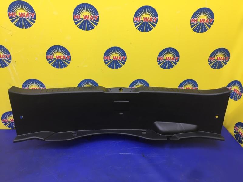Порог багажника, накладка багажника Mazda Axela BL5FW 2009 задний