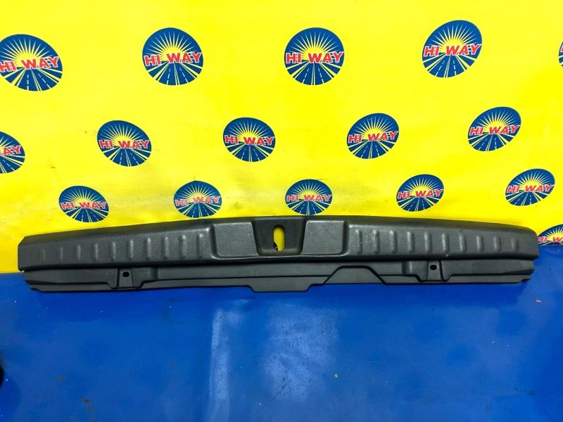 Порог багажника, накладка багажника Honda Hr-V GH3 D16A задний