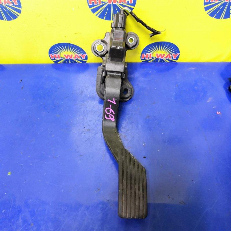 Педаль газа Mmc Lancer CY4A 4B11 2007