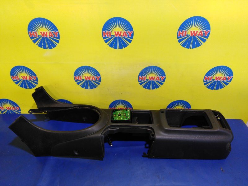 Пластиковые детали салона Toyota Altezza JCE10 2JZ-GE 2001