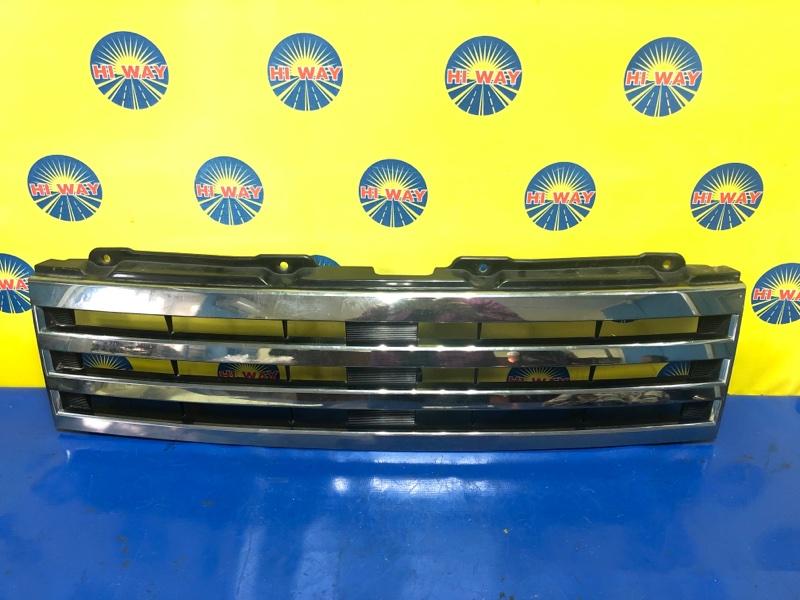 Решетка радиатора Nissan Otti H92W 09.2008