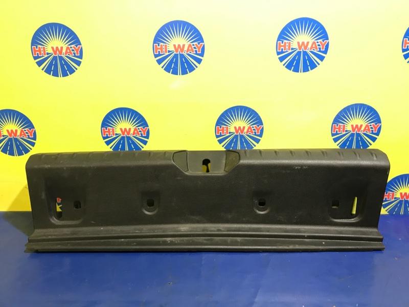 Порог багажника, накладка багажника Bmw 116I F20 N13B16A 2012 задний