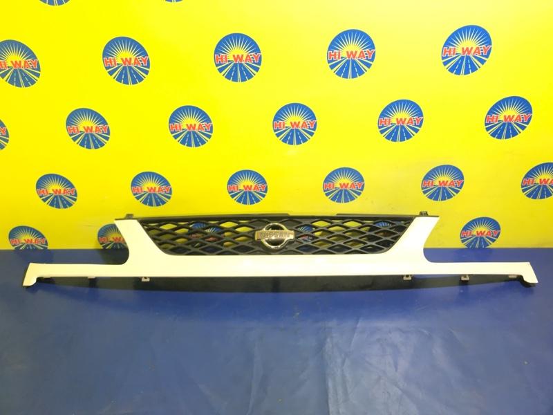 Решетка радиатора Nissan Serena PC24 SR20DE 1999 передняя