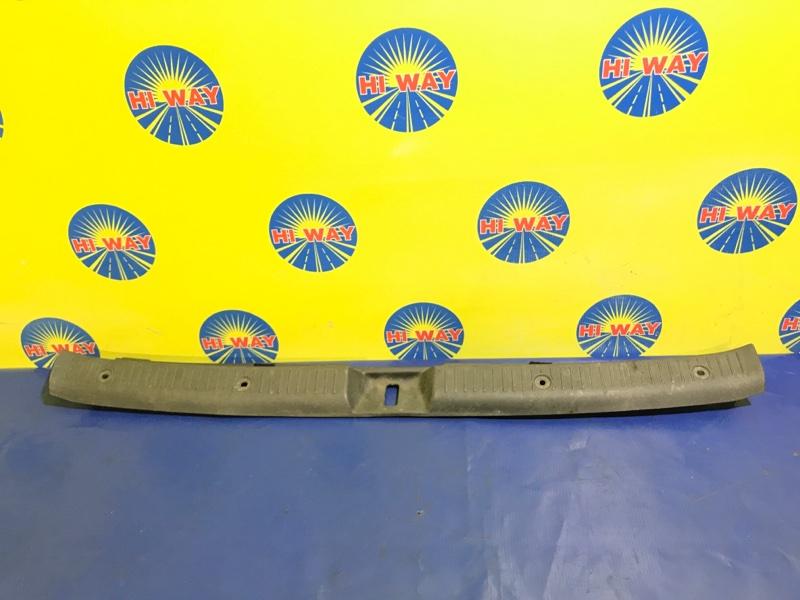 Порог багажника, накладка багажника Toyota Corolla Fielder NZE121 1NZ-FE 2003 задний