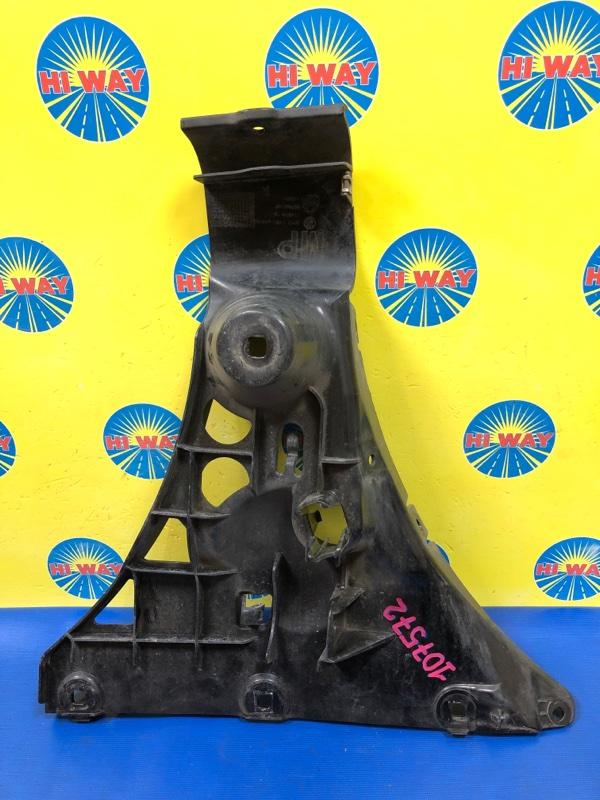 Клипса бампера Bmw 525I E60 M54B25 2004 задняя правая