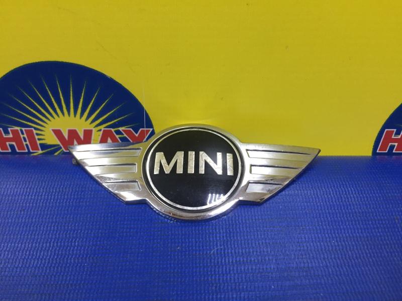 Эмблема Mini Cooper R55 N12B16A 2008 передняя