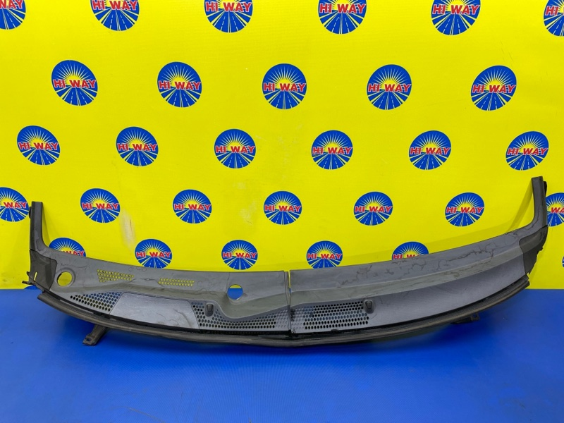 Решетка под лобовое стекло Honda Fit GD1 L13A 2001