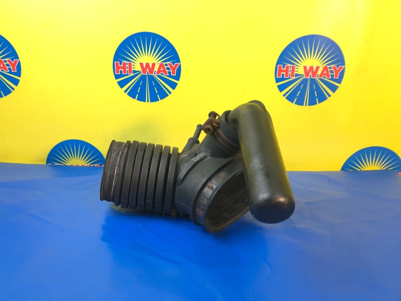 Патрубок воздушного фильтра,гофра воздушного фильтра Mmc Delica PB6W 6G72