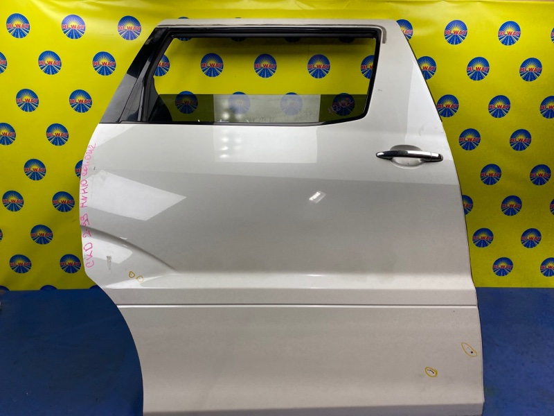 Дверь боковая Toyota Alphard MNH10 1MZ-FE 2003 задняя правая