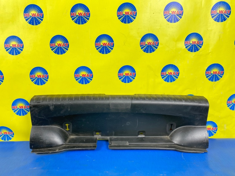 Порог багажника, накладка багажника Bmw 116I E87 N45B16A 2007 задний