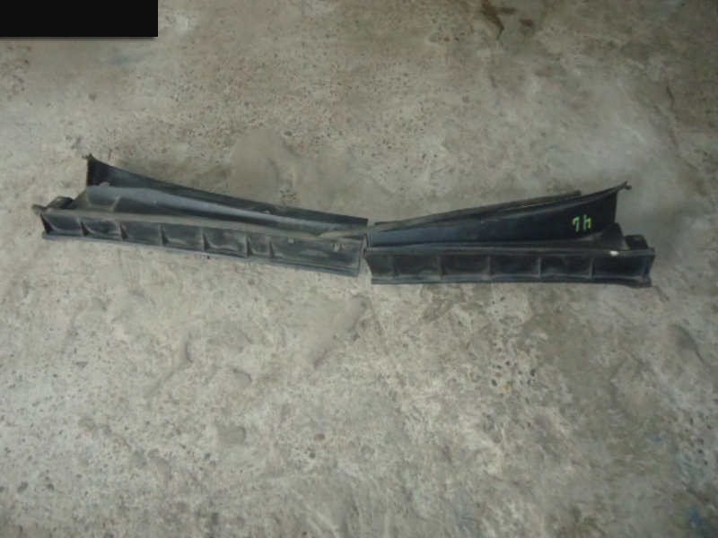 Воздухозаборник (решетка воздухозаборника) Toyota Funcargo NCP20 2NZ-FE