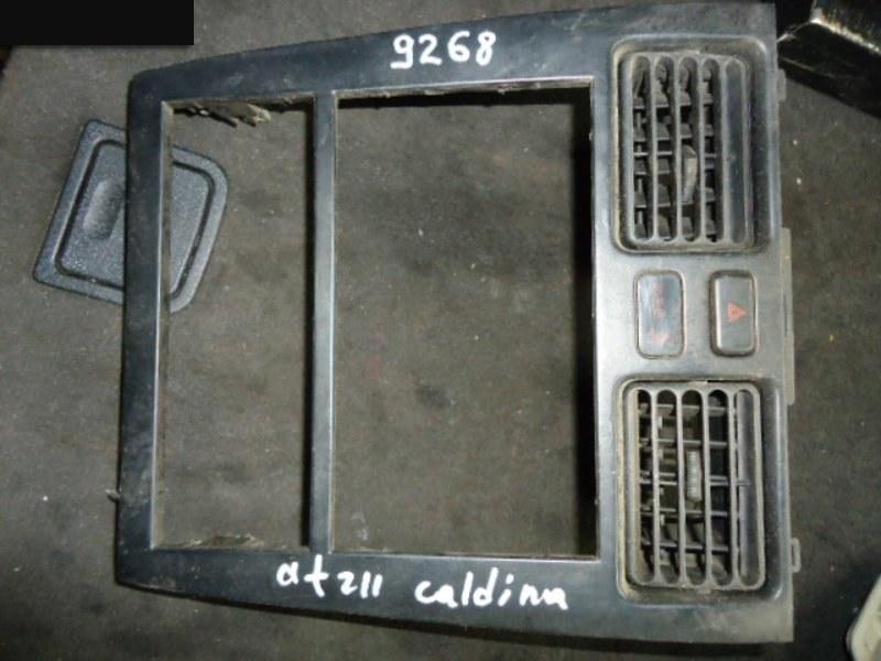 Рамка (консоль магнитофона) Toyota Caldina AT211G