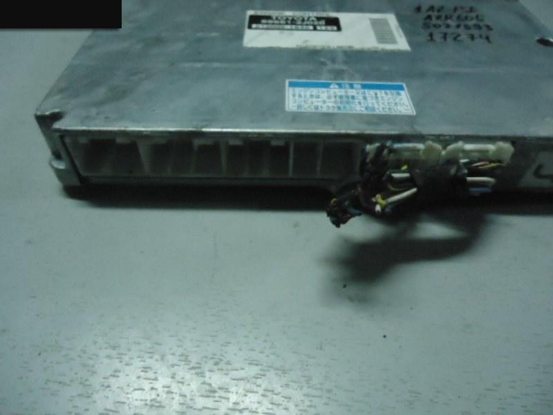 Компьютер (блок управления) Toyota Noah AZR60G 1AZ-FSE