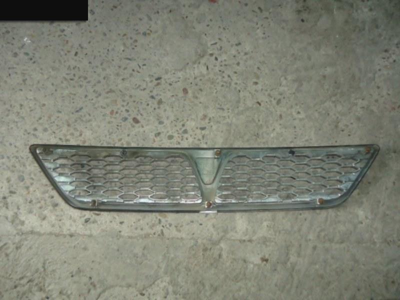 Решетка радиатора Toyota Vista SV50