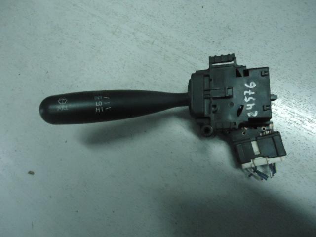 Переключатель стеклоочистителя Toyota Vitz NCP10 2NZ-FE