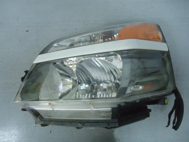 Фара Toyota Voxy AZR60G 1AZ-FSE передняя левая