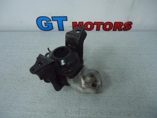 Подушка двигателя Toyota Ist NCP60 2NZ-FE правая