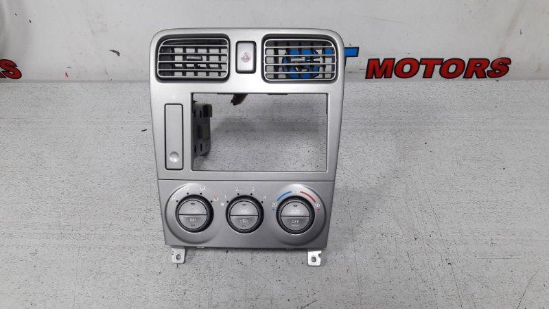 Рамка магнитофона Subaru Forester SG5 EJ20-T 2002