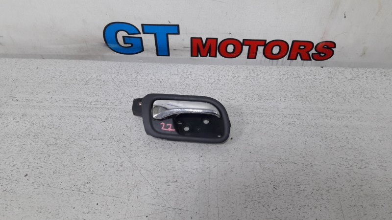 Ручка внутренняя Honda Accord Wagon CM3 K24A передняя правая