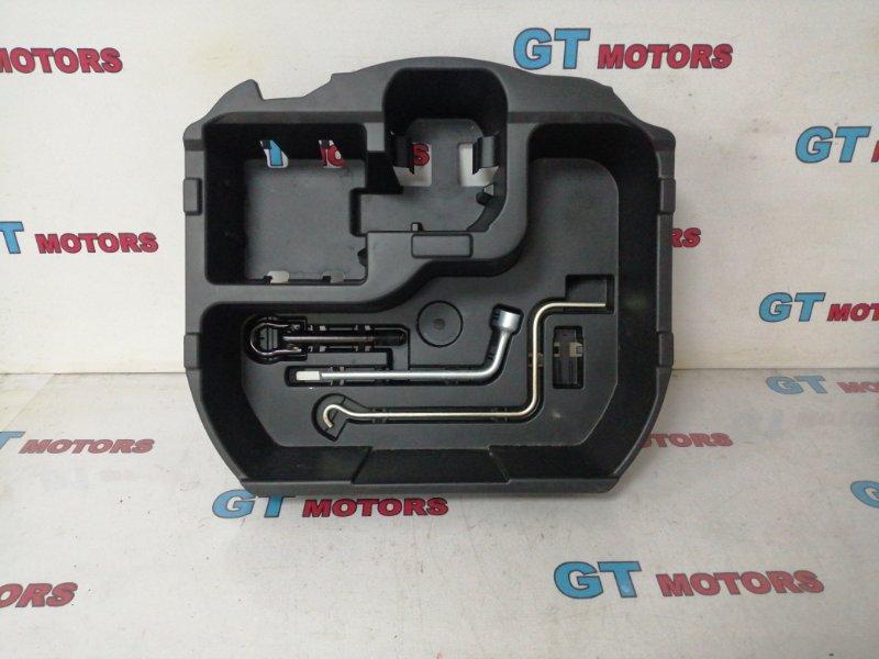 Ящик для инструментов Toyota Aqua NHP10 1NZ-FXE 2013