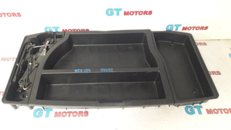 Ящик для инструментов Toyota Allex NZE124 1NZ-FE 2001