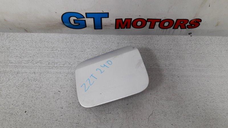 Лючок топливного бака Toyota Premio ZZT240 1ZZ-FE