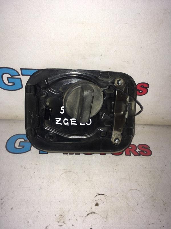 Лючок топливного бака Toyota Wish ZGE20
