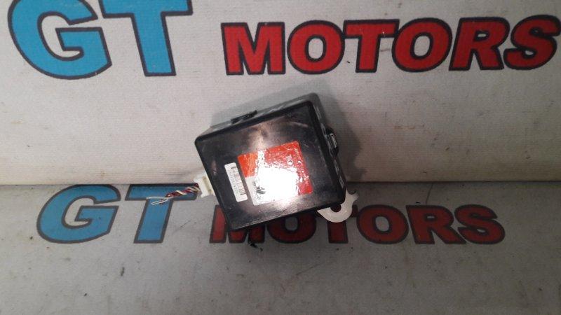 Блок управления дверьми Toyota Wish ZNE10G 1ZZ-FE 2006