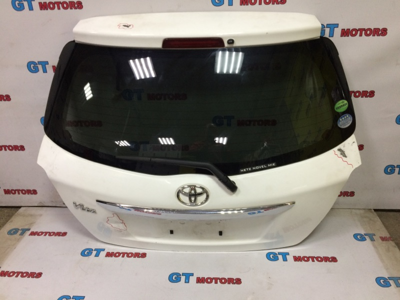 Дверь задняя багажника Toyota Vitz KSP130 1KR-FE 2013 задняя