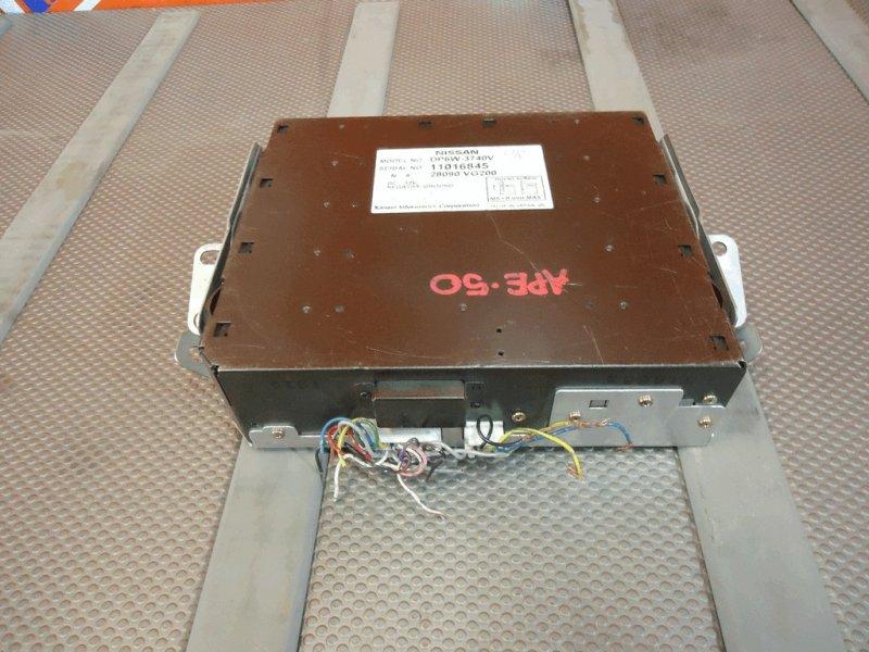 Телевизор в салон Nissan Elgrand ATWE50 (П29) монитор 28090-VG200 с салона (выдвижной) с фишками